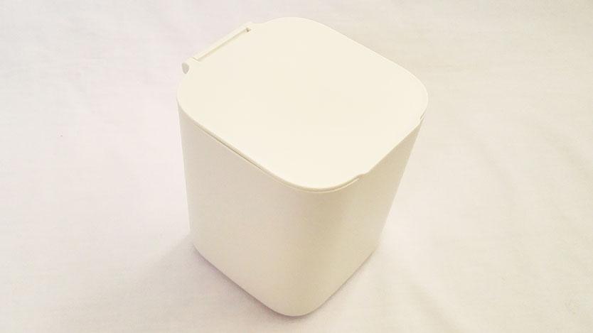 100均セリアの「1dp ダストボックス」が洗面所の小物収納に使えるよ
